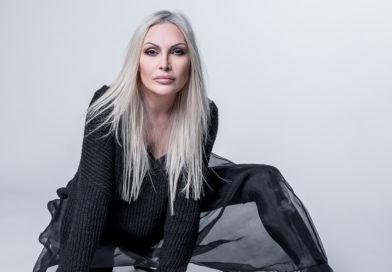 Monopoli: Anna OXA in concerto in piazza Vittorio Emanuele